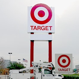 business-pylon-sign-target-houston-texas